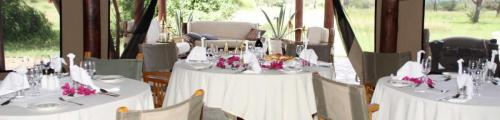 dining-luxury-tented-camp-serengeti