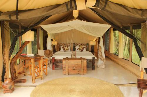 home-slide-2-tented-camp-serengeti